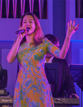 Стефания певица